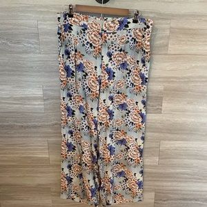 Soft Surroundings Floral Pull On Wide Leg Pants
